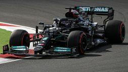 F1: Hamilton il più veloce ma c'è un colpo di scena. Bene la Ferrari
