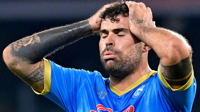 Il Napoli perde Petagna: contrattura all'adduttore