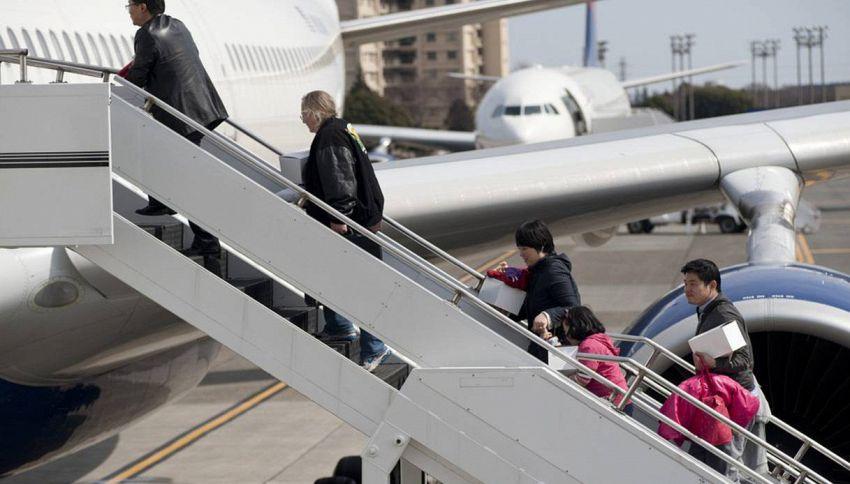 Educazione in volo: 10 cose da non fare MAI in aereo