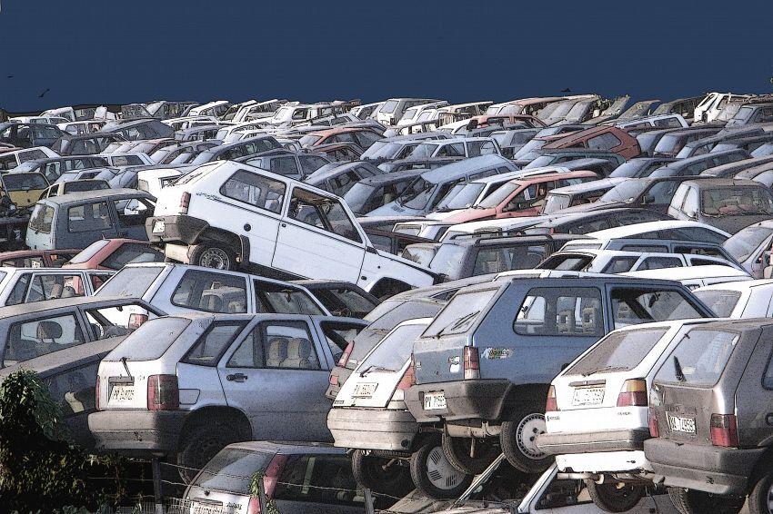 Auto da demolire: ecco diverse opzioni per rottamare l'auto