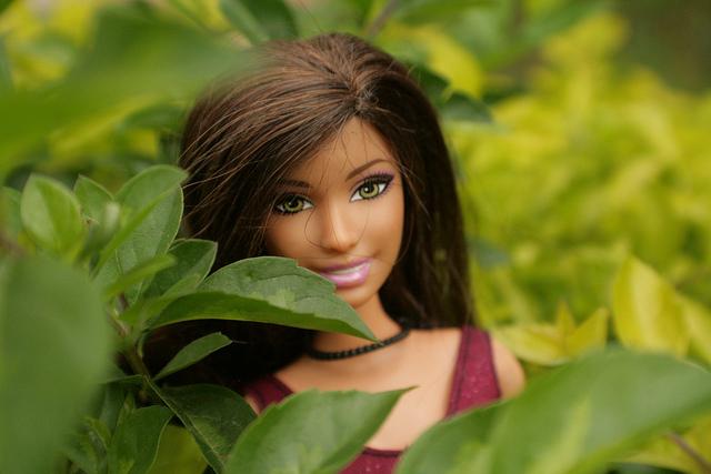 Barbie grassocce e basse, ecco come reagiscono le bambine alle nuove bambole