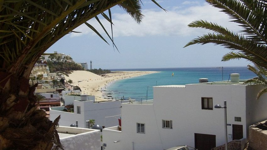 Scopri il pacchetto vacanze che fa per te sull\'isola di ...