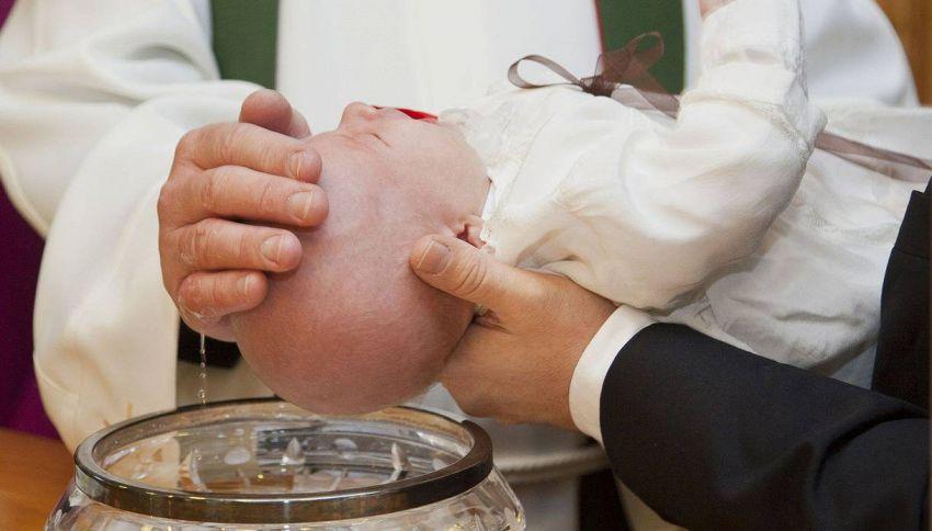 Frasi per il battesimo: cosa augurare a un bimbo