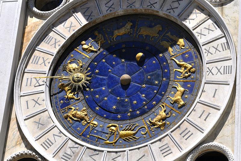 L'oroscopo dei segni di aria: Gemelli, Acquario, e Bilancia