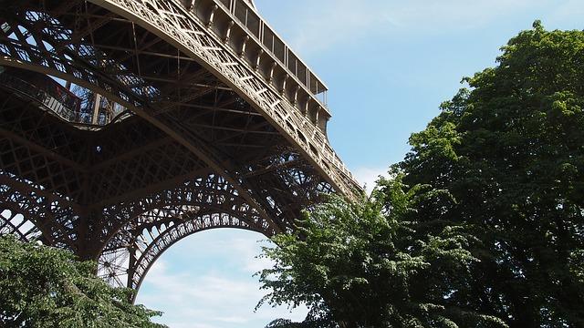 Come La Storia Sua Torre Simbolo Di ParigiSupereva E Eiffel ul3T51cFKJ