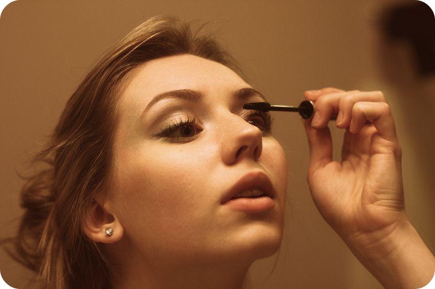 Far risaltare i vostri occhi con un make up naturale