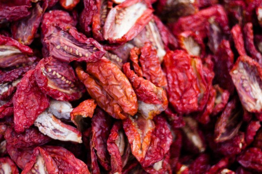 Pesto di pomodori secchi: ingredienti e preparazione della ricetta
