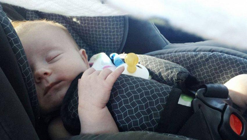 Bambini in auto, gli errori da evitare per la loro sicurezza