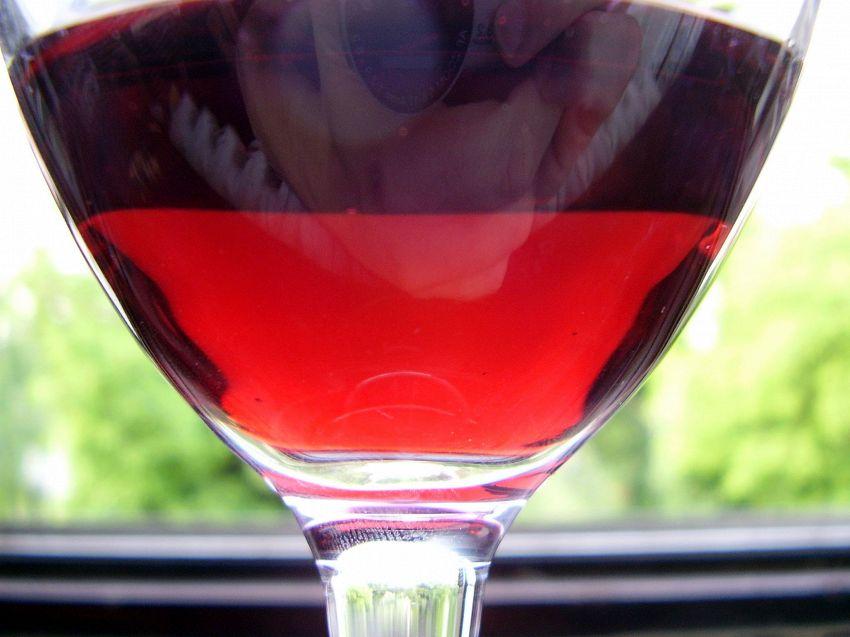 Trasformare l'acqua in vino: due enologi hanno scoperto come fare