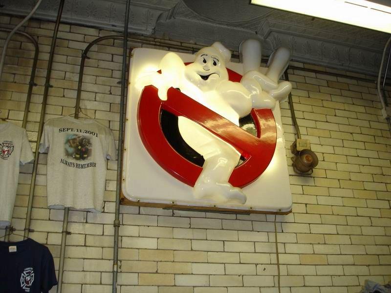 In casa tua vive un fantasma? Ecco cosa devi fare per scacciarli