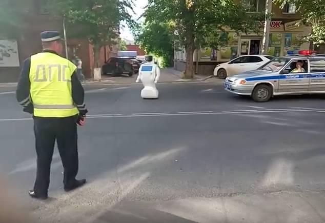 Robot fugge dal laboratorio, causa solo qualche ingorgo stradale