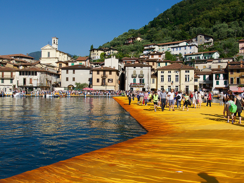 Floating Piers, se non potete andare di persona, usate Street View
