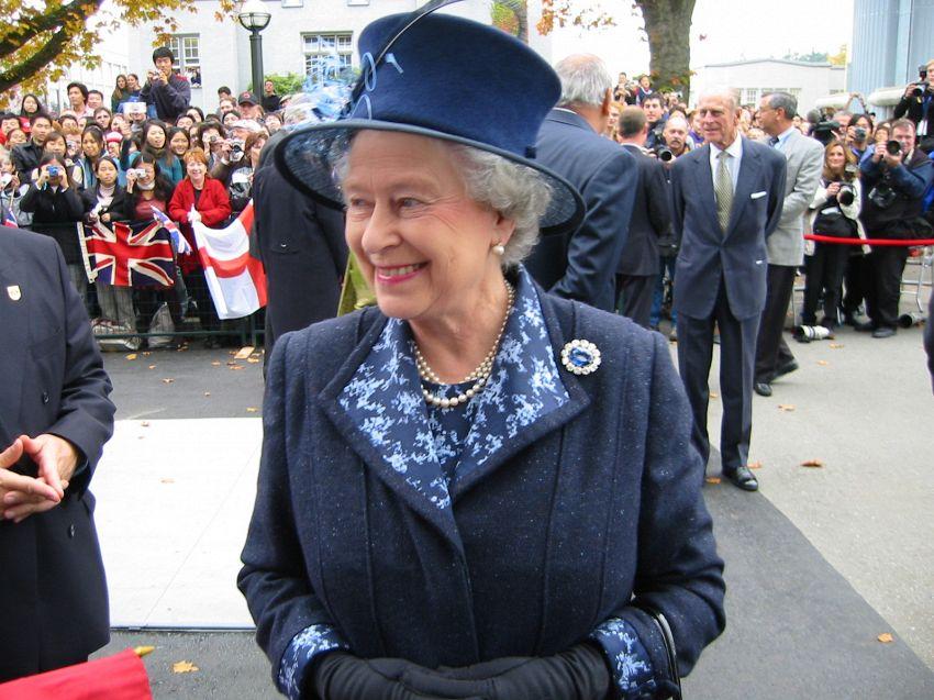 Elisabetta II, i personaggi della casa reale e dinastia Windsor