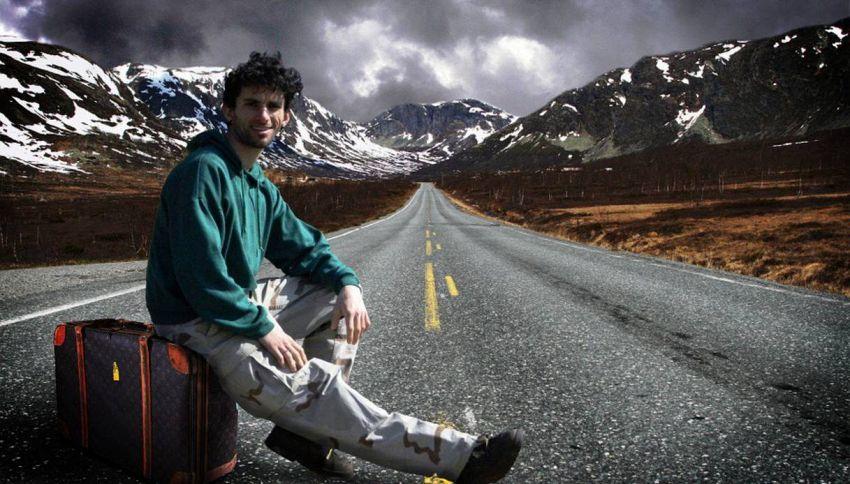 Autostoppista solitaria rivela i trucchi per viaggiare per il mondo