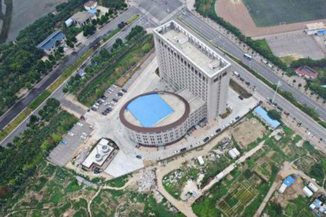 I nuovi grattacieli cinesi si ispirano a originali forme da bagno