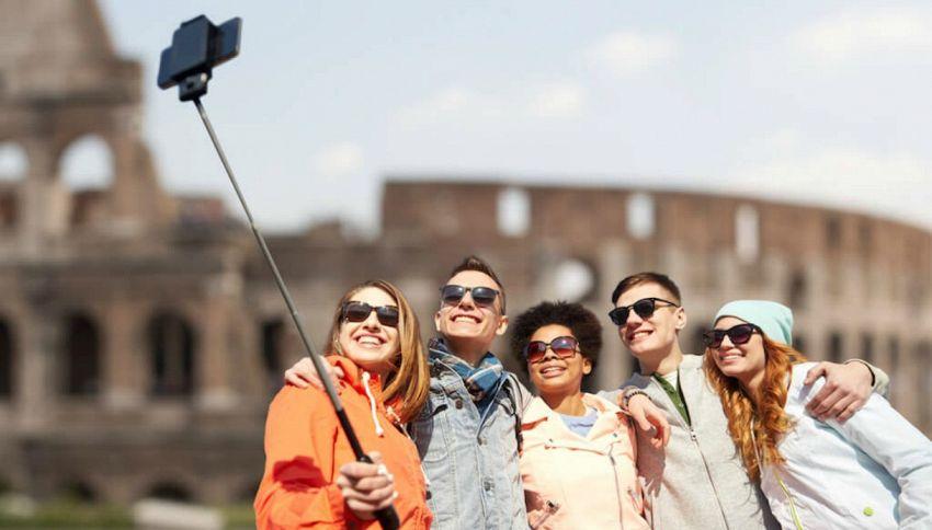 Se avete i pidocchi potrebbe essere colpa dei selfie