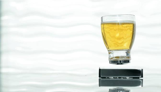 Se non levita non lo bevo, arrivano i cocktail anti gravità