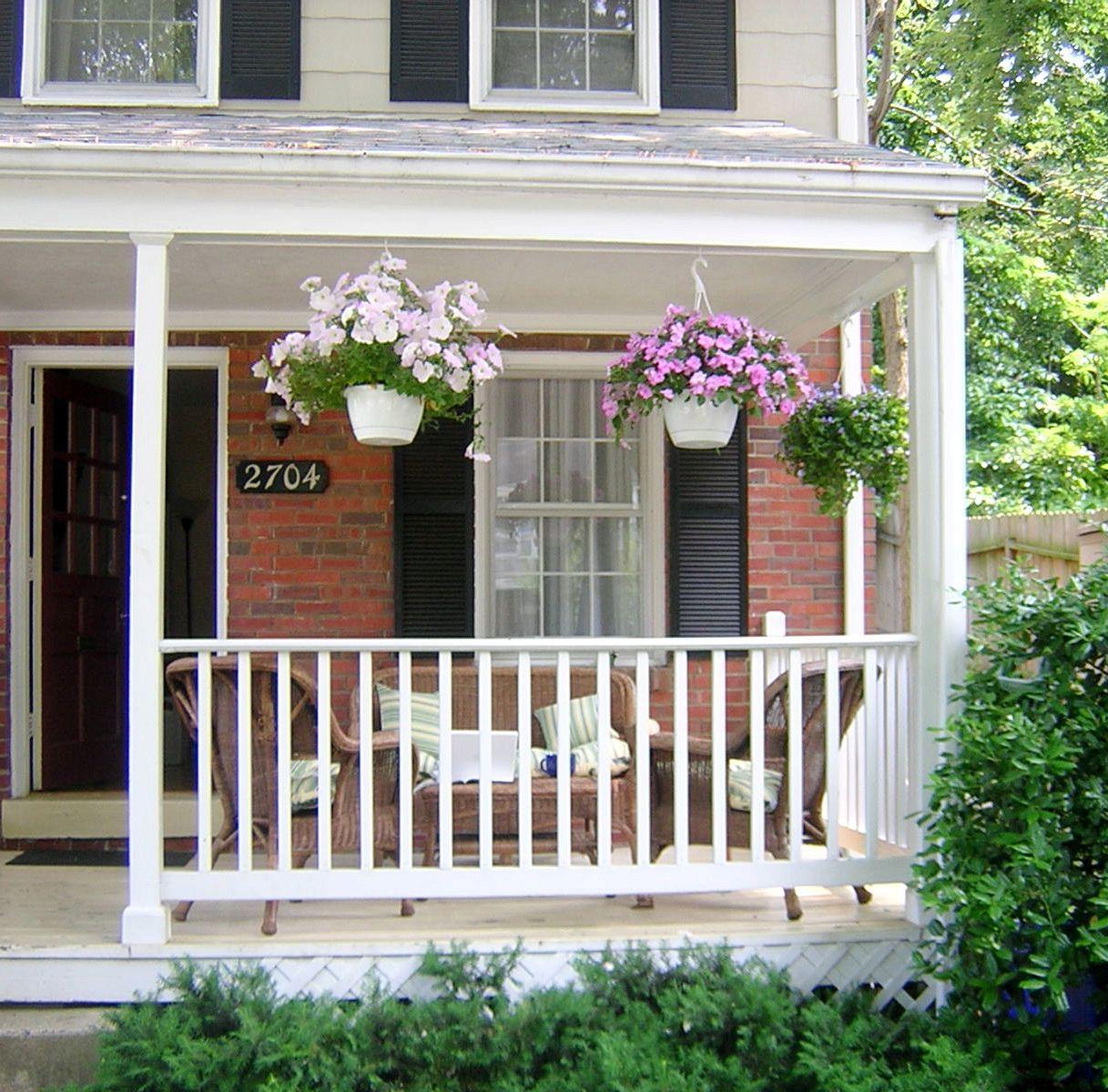 Come Arredare Un Portico Chiuso portico con fiori - portico con fiori - supereva