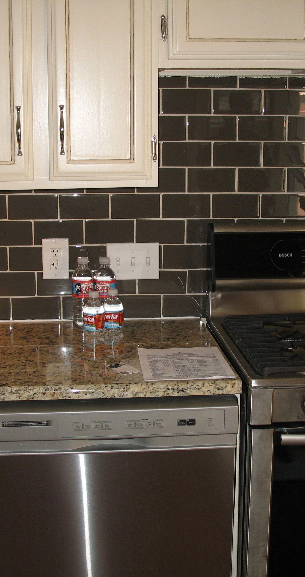 Cucina con piastrelle scure - Cucina con piastrelle scure ...