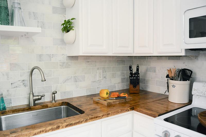 Cucina con piastrelle chiare - Cucina con piastrelle chiare ...