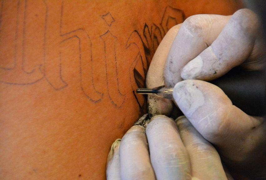Un italiano su due si pente dei propri tatuaggi, lo dice la scienza
