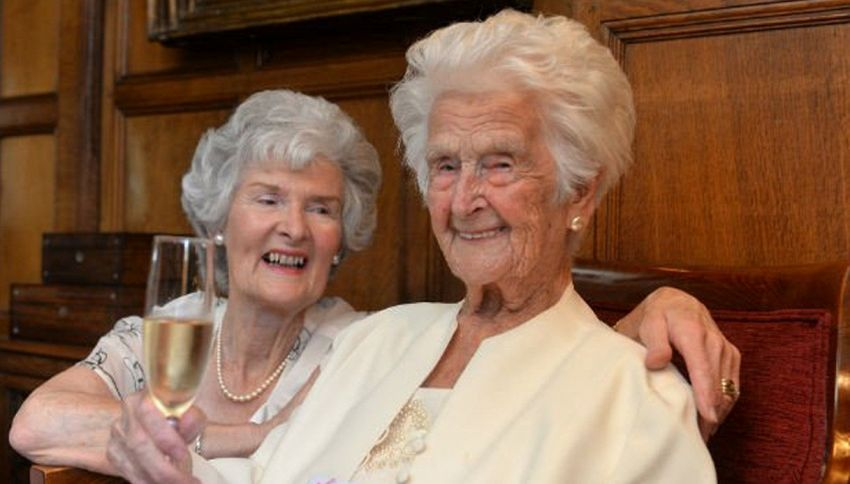Grace Jones: l'anziana di 110 anni che beve whisky per rimanere giovane