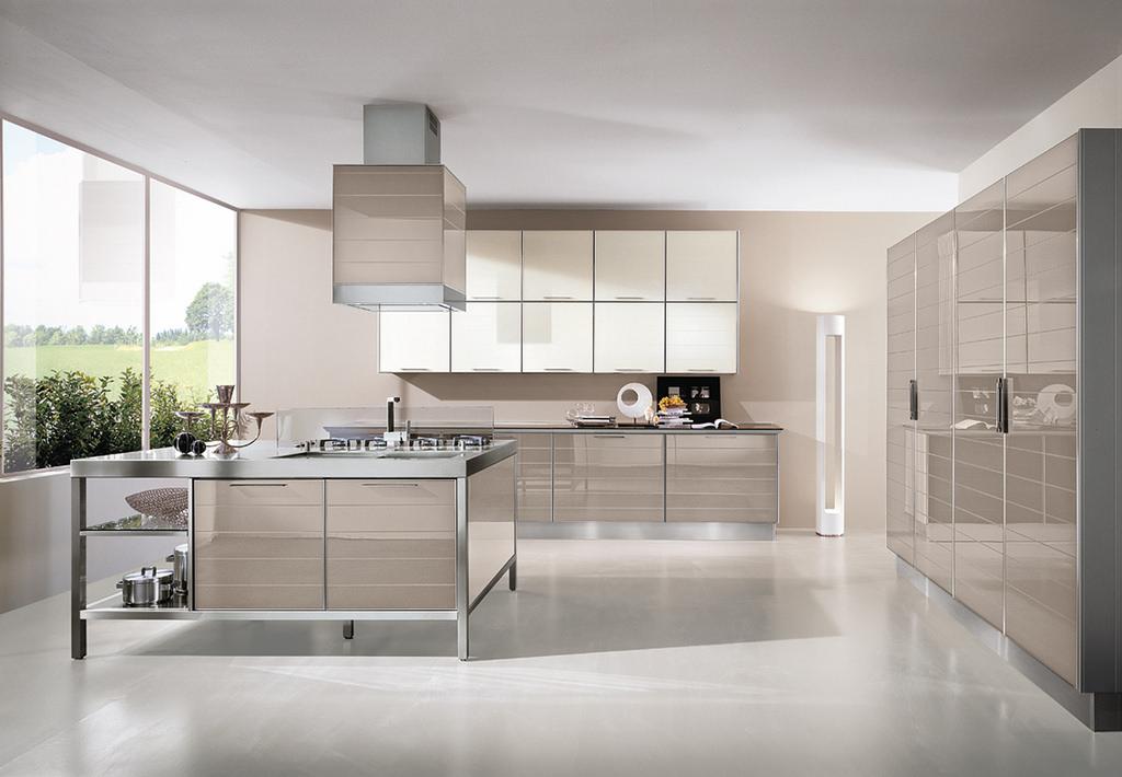 Cucina con ante in profilo di alluminio e vetro - Cucina con ...