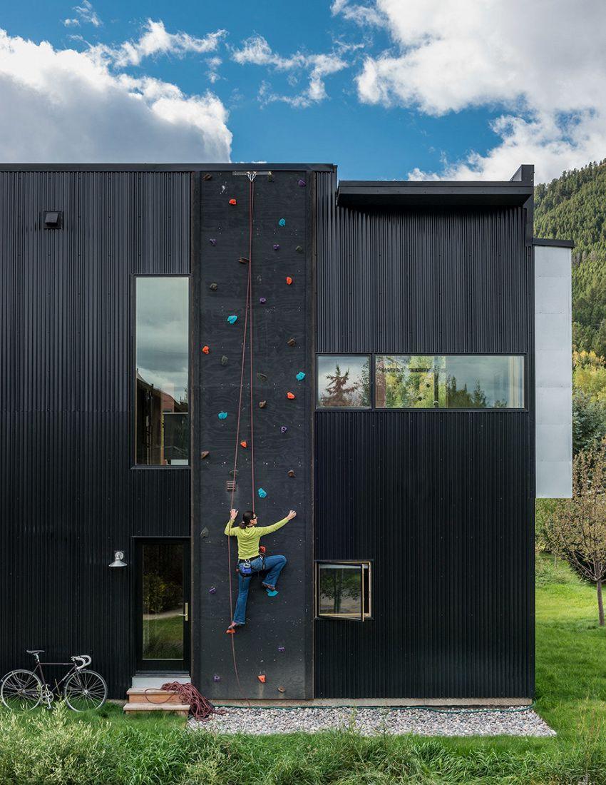 Ma che scale, la casa del futuro ha una parete da scalare