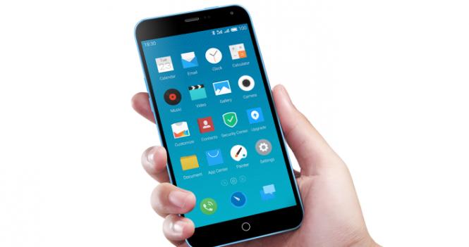Gli smartphone prendono meglio in una mano che nell'altra, lo dice la scienza