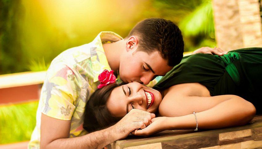 I single sono più felici degli sposati, lo dice la scienza