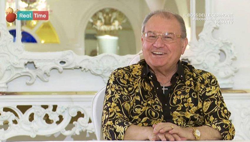 Come sta Don Antonio, il Boss delle cerimonie ricoverato d'urgenza