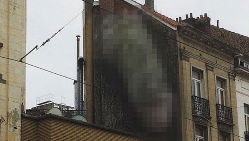 Mistero a Bruxelles, la città è invasa da graffiti a luci rosse