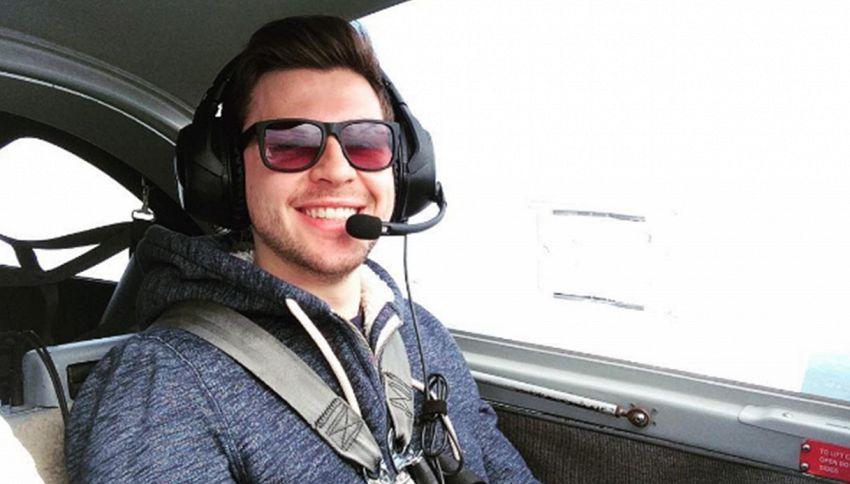 A 20 anni diventa pilota per Ryanair