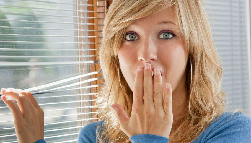 Ciao privacy: 5 situazioni imbarazzanti nelle quali vi hanno visto i vicini