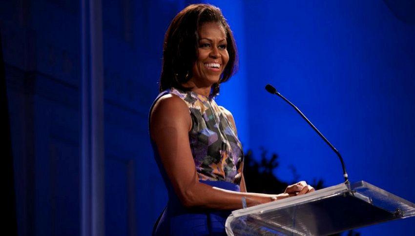 Michelle Obama alla Casa Bianca nel 2020: la campagna su Twitter