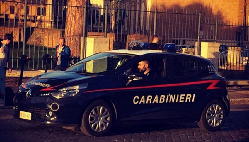 Evade dai domiciliari, ma si smarrisce e chiede aiuto ai Carabinieri