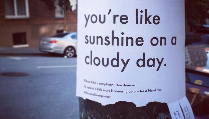 Compliment project: i finti annunci con frasi che migliorano la giornata