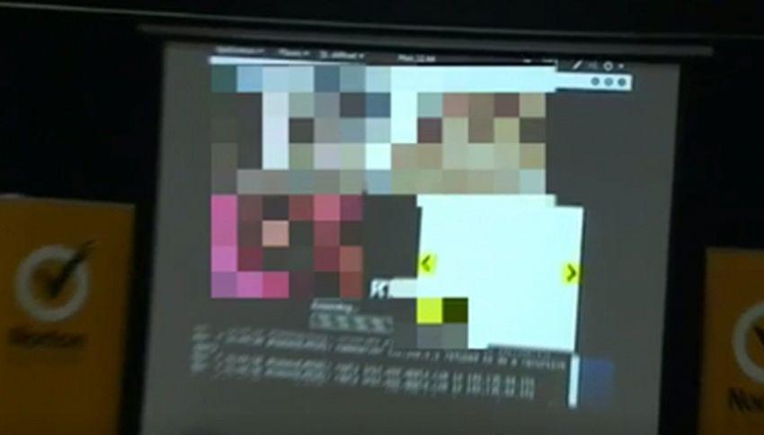 Gaffe al convegno sulla sicurezza informatica: parte un video porno