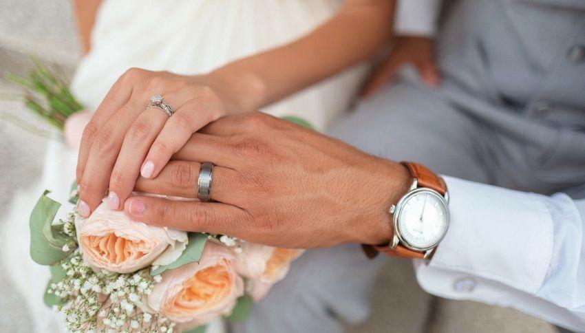 Matrimonio: addio all'obbligo di fedeltà con una legge