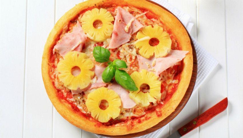 Ananas sulla pizza: il dibattito infiamma il web