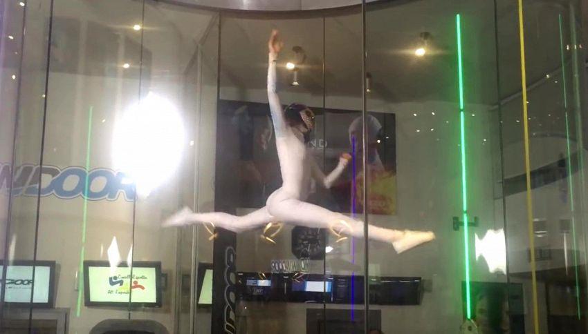 La spettacolare danza nel vento di Maja conquista internet