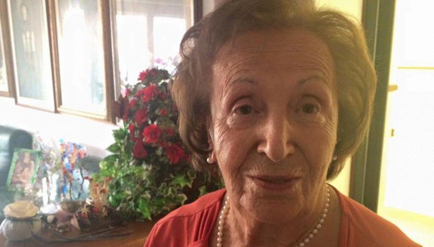 L'ostetrica di 92 anni che ha conquistato Conti e la De Filippi