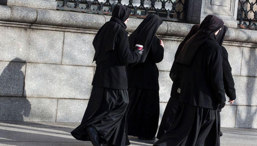 Frati e suore in fuga, la Santa Sede corre ai ripari così