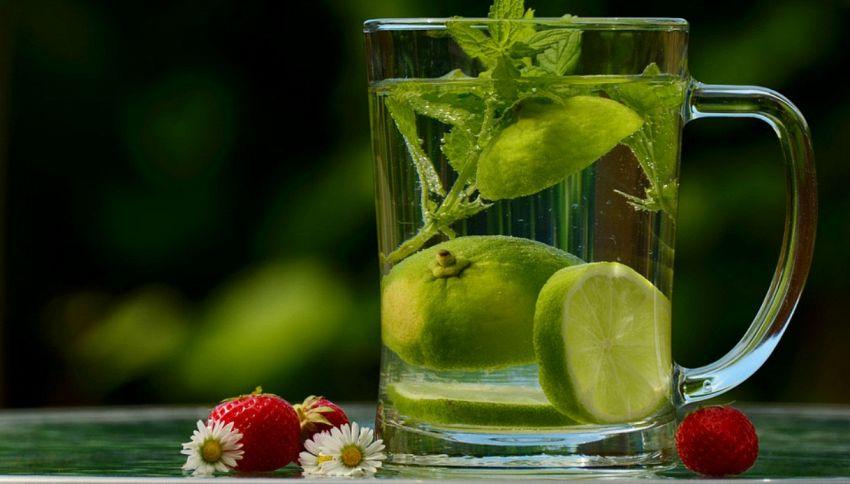 Acqua e limone: le buone abitudini mattutine