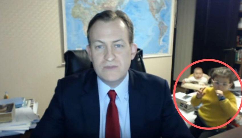I figli del professore interrompono l'intervista alla BBC