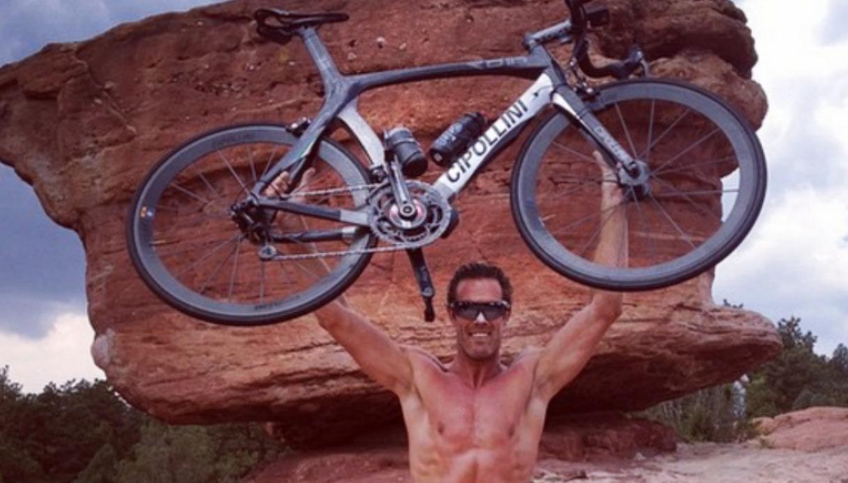 Velocità di incontri in bicicletta