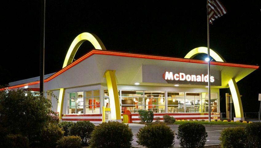 McDonald's pensa alle consegne a domicilio