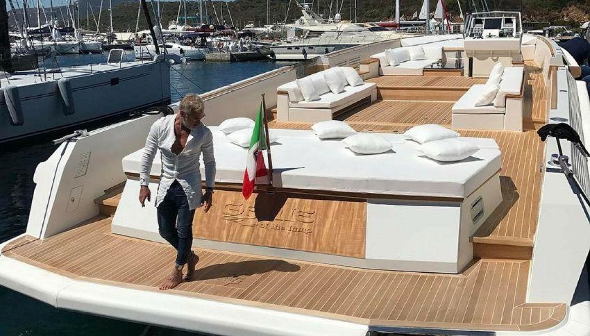 Gianluca Vacchi si è comprato una nuova barca extralusso