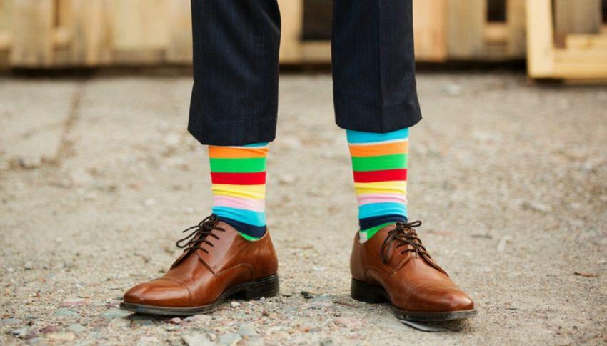 Chi usa calze assurde ha più successo, lo dice la scienza