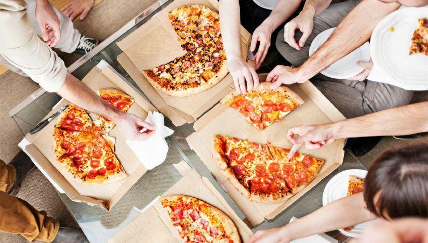 Perché i cartoni della pizza sono quadrati?